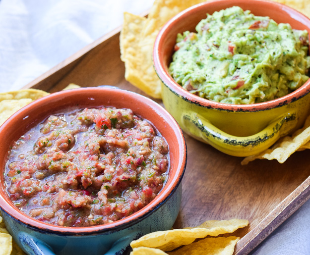 Fresh Salsa & Guacamole - awesome flavors and all fresh, healthy ingredients. So easy to prepare, perfect for your next party! | tastythin.com
