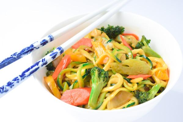 easy szechaun veggie zoodles4