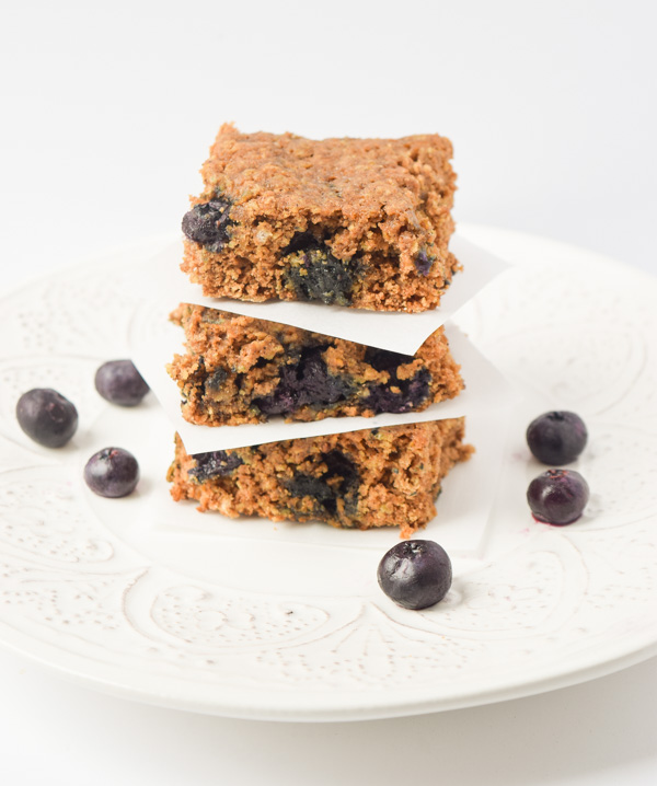 healthy blueberry oat breakfast bars1