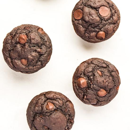 skinny-chocolate-applesauce-muffinsthumb3