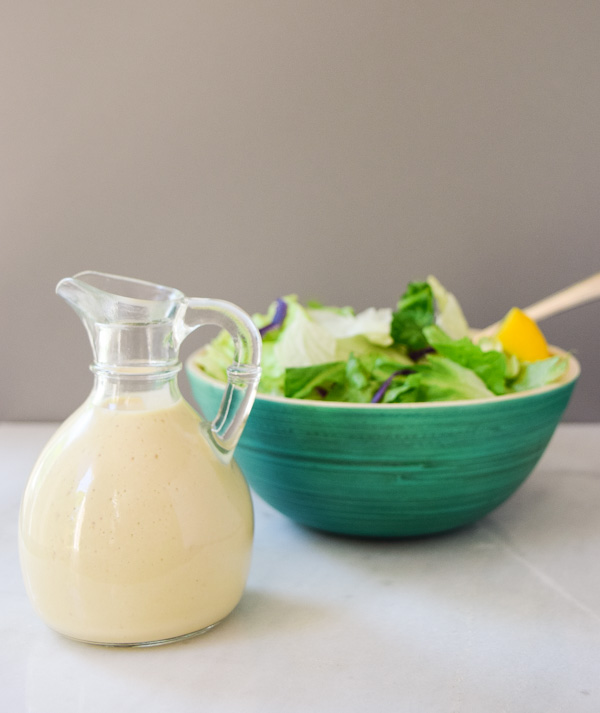 Homemade Greek Yogurt Caesar Dressing - this dressing is a cinch to make, low in fat, and super flavorful! | tastythin.com