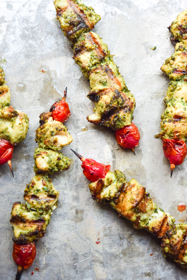 Paleo Pesto Chicken Kabobs - Pesto marinated chicken is grilled to perfection. Fresh, nutritious, and so flavorful! | tastythin.com