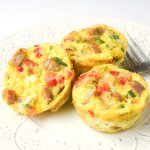 Paleo Chicken Sausage Frittata Muffins - A healthy and tasty grab and go breakfast! Perfect for Paleo/Whole 30 meal plans. | tastythin.com