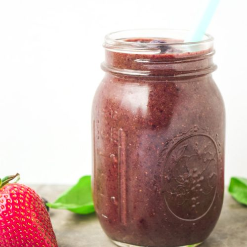 anti-inflammatory blueberry smoothie in mason jar