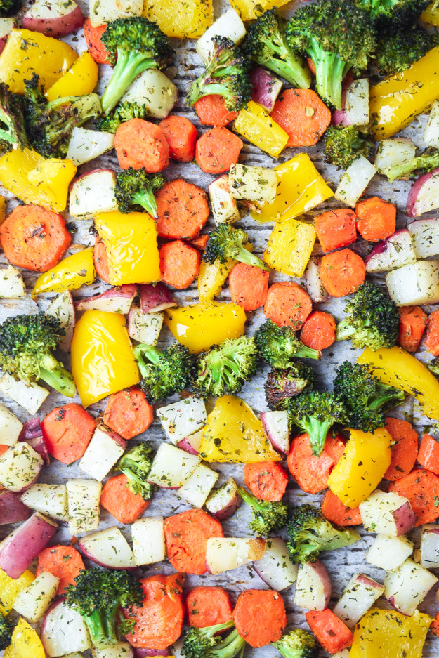close up of sheet pan ranch veggies