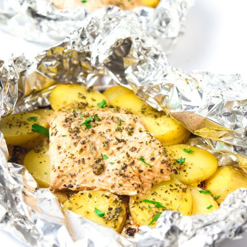 garlic herb salmon foil packets with potatoes