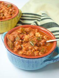 slow cooker pumpkin chicken chili
