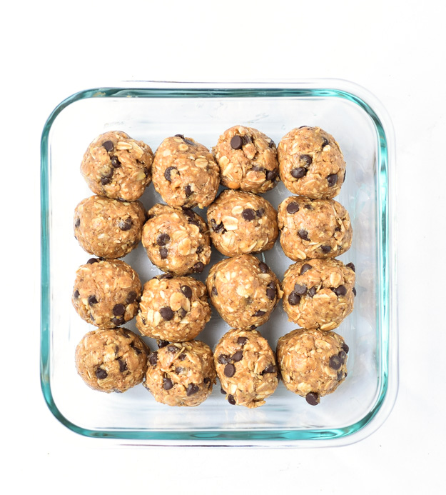 no bake oat bites in glass container